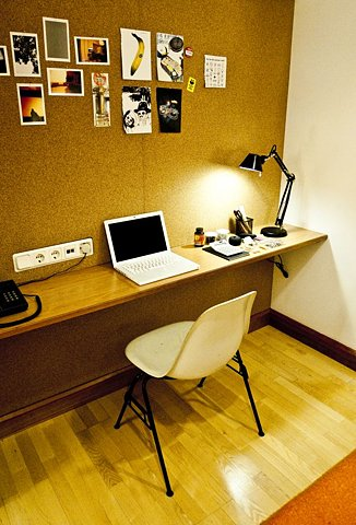 Contemporistcomdesk
