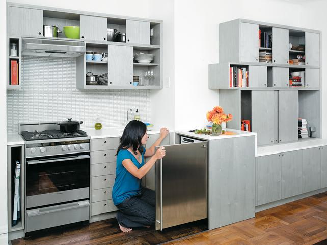 Sliding-kitchen-interior-portrait-in-kitchen